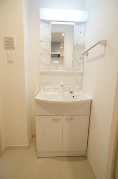 リブリ・グレーヌ 201号室の洗面所
