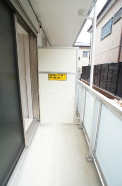 リブリ・グレーヌ 301号室のバルコニー