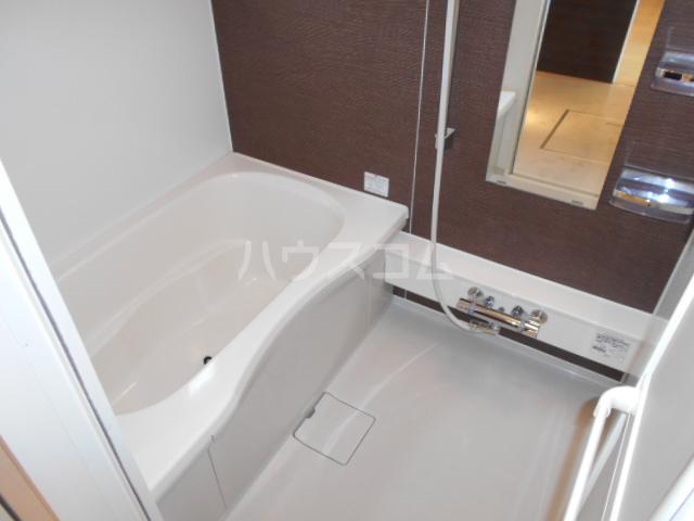 ヴィラ彩風 101号室の風呂