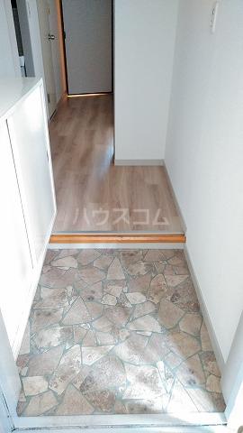 パームハイツI 401号室の玄関