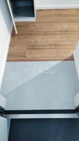 3F HAUS 103号室の玄関