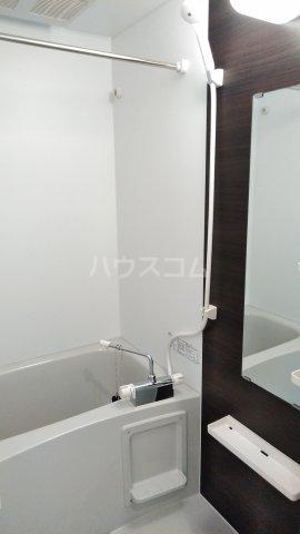 リブリ・ゆり本町 105号室の風呂