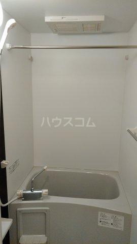 リブリ・ゆり本町 106号室の風呂