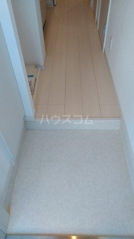 リブリ・ゆり本町 106号室の玄関