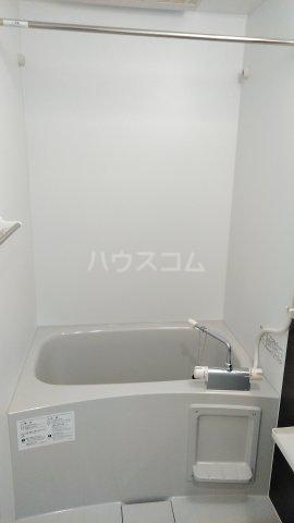 リブリ・ゆり本町 205号室の風呂