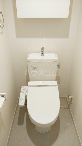 リブリ・ゆり本町 205号室のトイレ