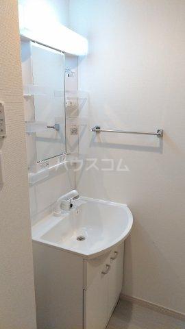 リブリ・ゆり本町 205号室の洗面所