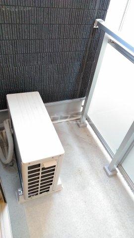リブリ・ゆり本町 205号室のバルコニー