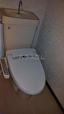 グランドプレミールSAKAWA 302号室のトイレ