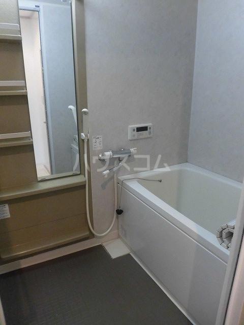 祐天寺コートハウス 204号室の風呂
