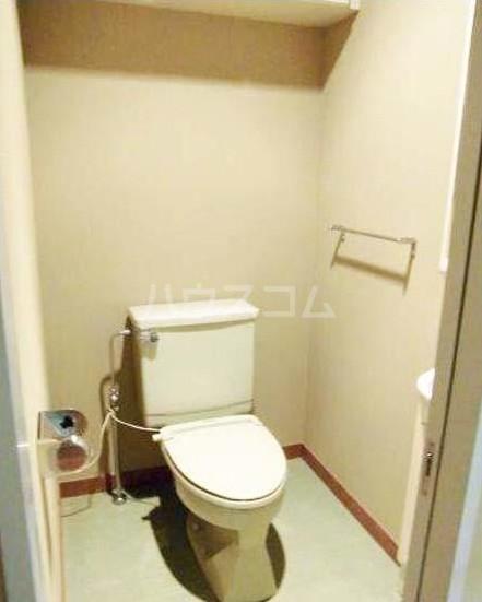 ハイアット2822 305号室のトイレ