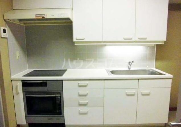 ハイアット2822 305号室のキッチン