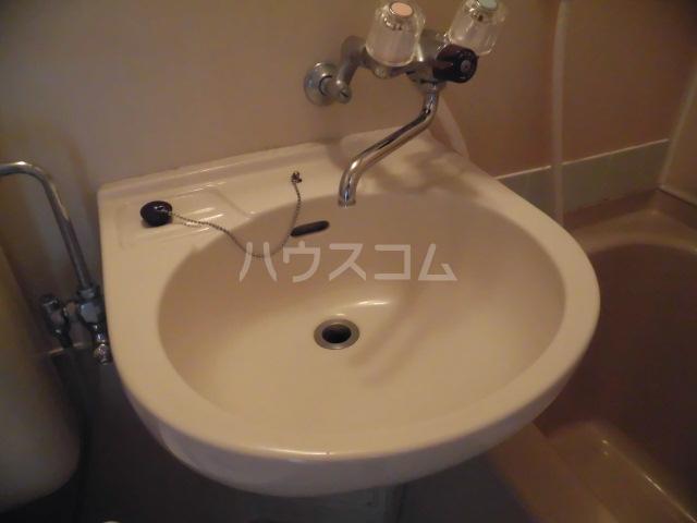 ハイツ田中 301号室の洗面所
