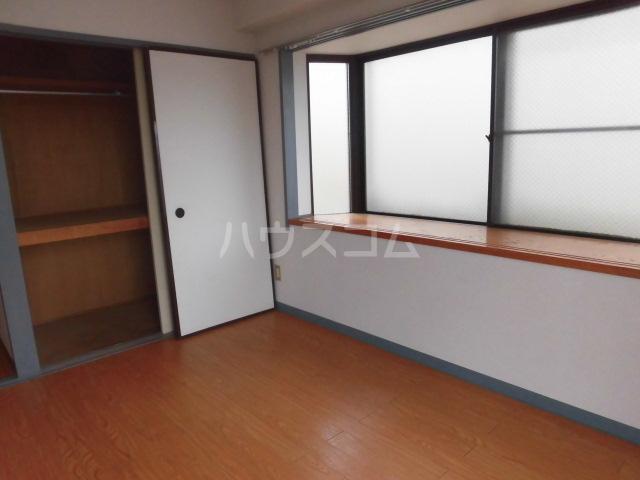 ハイツ田中 301号室の居室