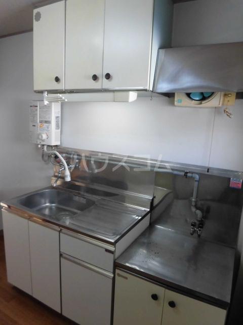 高橋ハイツ 301号室のキッチン