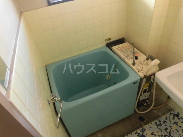 高橋ハイツ 301号室の風呂