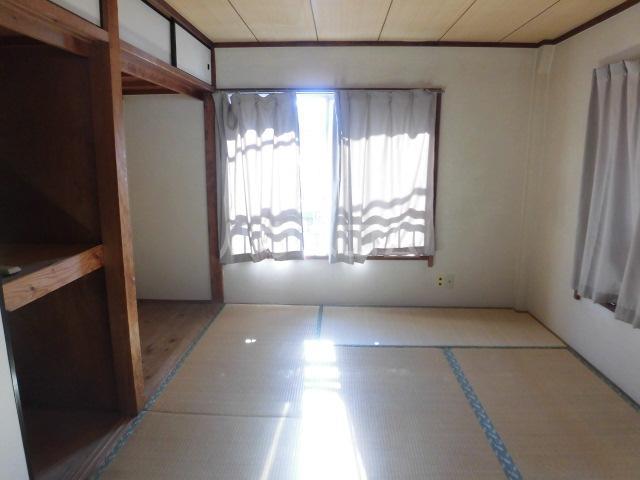 高橋ハイツ 301号室のリビング