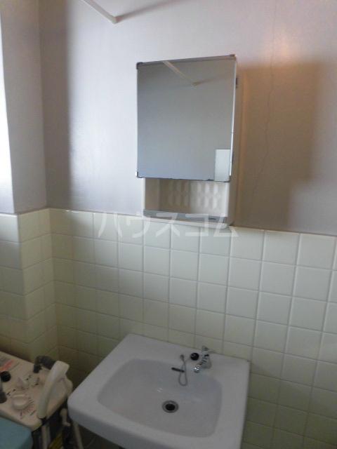 高橋ハイツ 301号室の洗面所