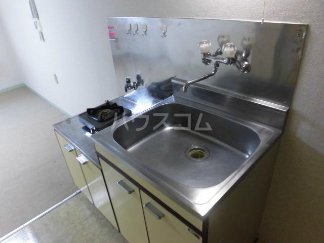 メゾンロビン 204号室のキッチン