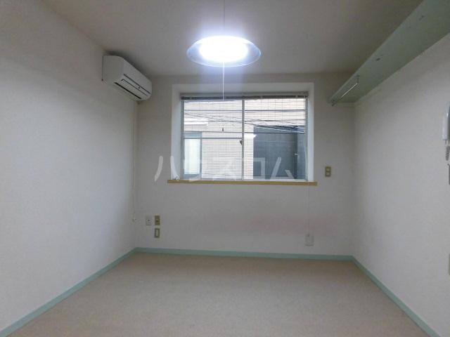 メゾンロビン 204号室のリビング