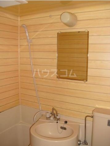 マック目黒コート 2号室の風呂
