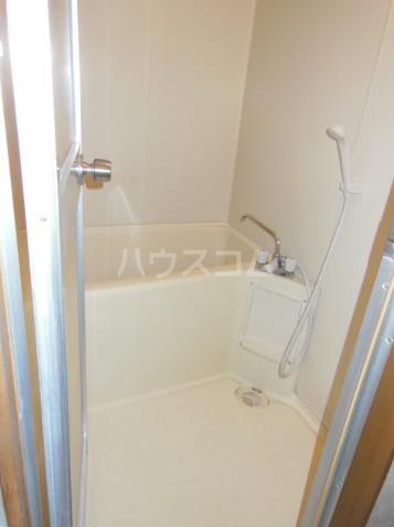 アーチハウス 201号室の風呂