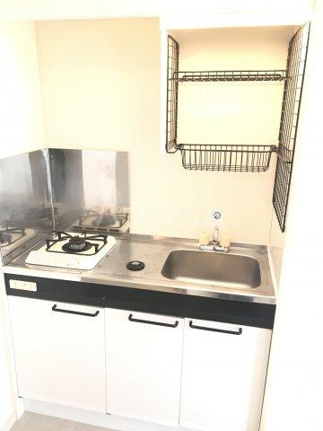 タウンハウス1番館 103号室のキッチン