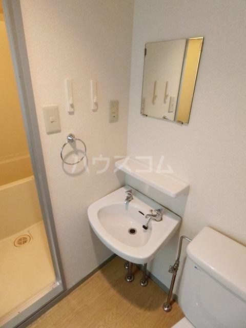 スペーステック松島 603号室の洗面所
