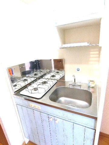 ダイナコートエスタディオ東公園 801号室のキッチン