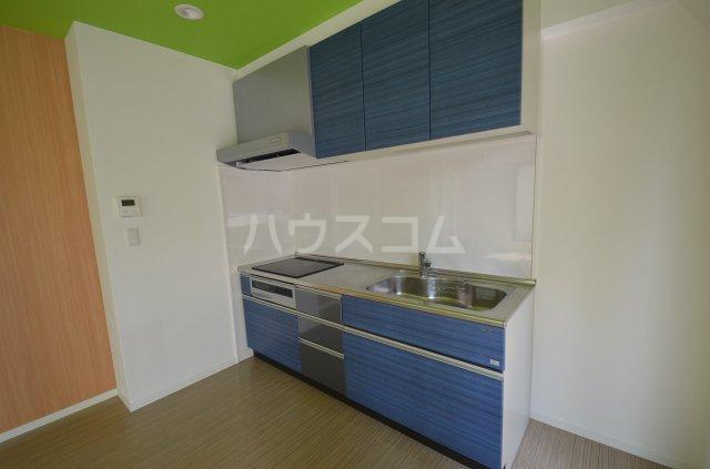 カーサ・スパジオ 503号室のキッチン