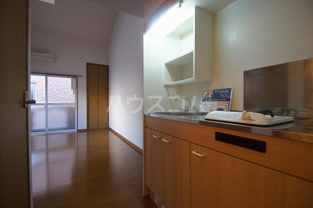 フィオーレ箱崎 205号室のキッチン