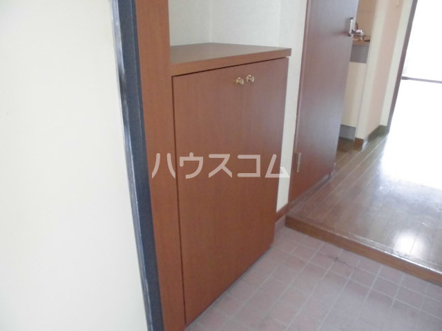 グラシャス'97 203号室の玄関