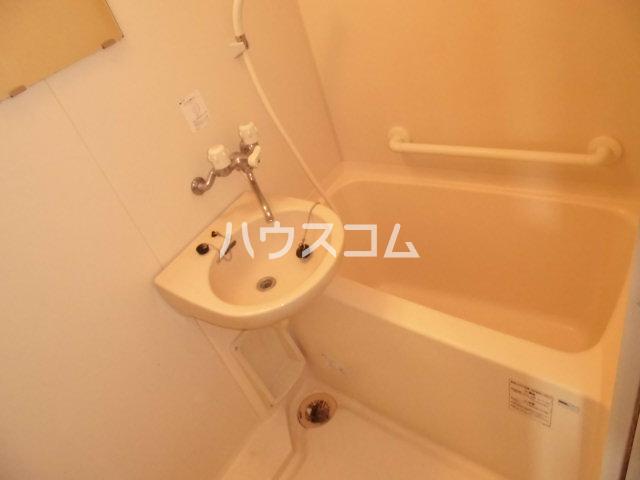 グラシャス'97 203号室の洗面所