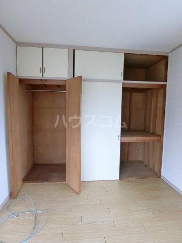 グレイシャス長尾 301号室の収納