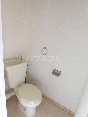 グレイシャス長尾 301号室のトイレ