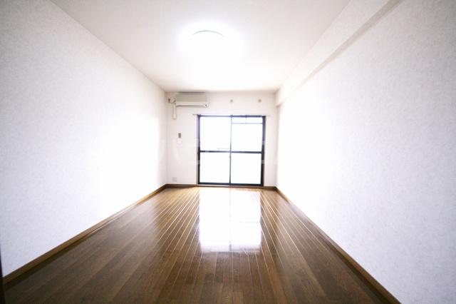 サークルフロント 203号室のベッドルーム