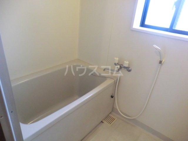 レジデンス・ウィステリア24 205号室の風呂