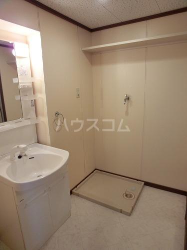 ファミール篠栗 405号室の洗面所