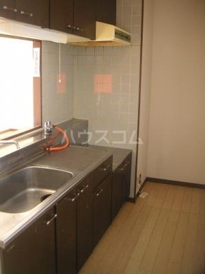 ガーデンハイツ志免 302号室のキッチン