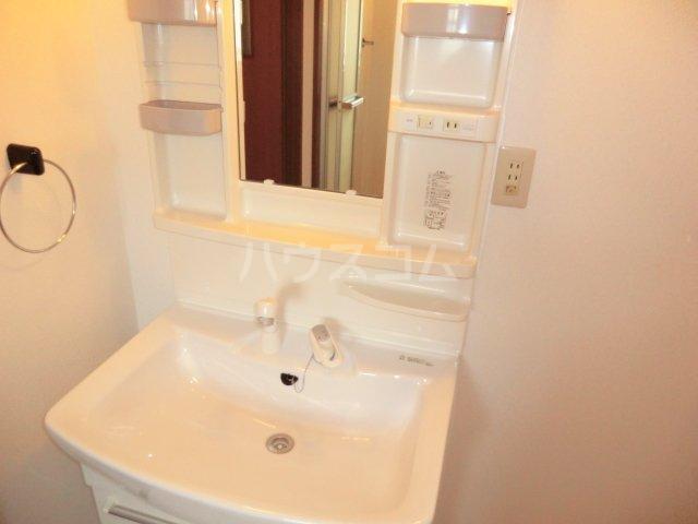 サンハイツKUDO 303号室の洗面所