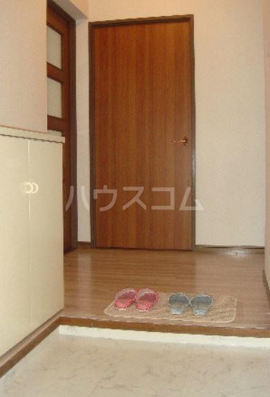 サンハイツKUDO 303号室の玄関