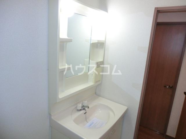 ウッディコート 603号室の洗面所