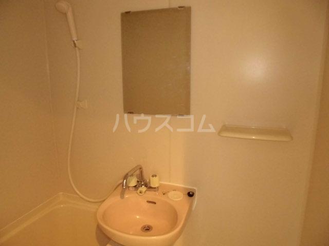 リファレンス吉塚 705号室の洗面所