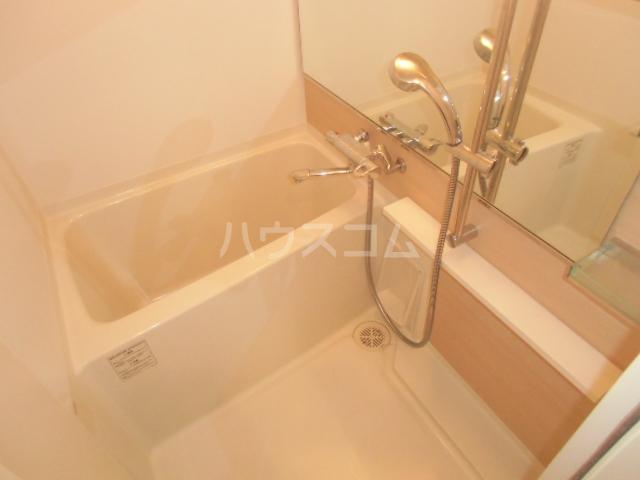 サヴォイ・ザ・ティファナ 306号室の風呂