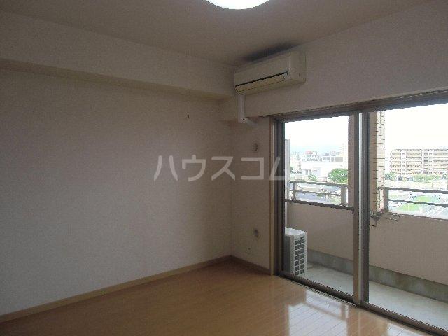 CASSIOPEIA HAKOZAKI 805号室のリビング