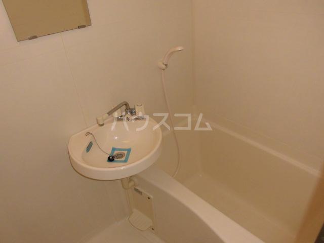 イーストパーク36 601号室の風呂
