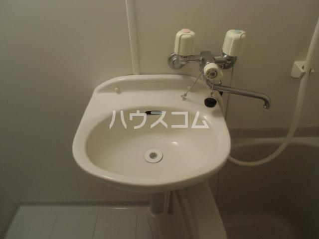 レヴェ・ユーロ 508号室の洗面所