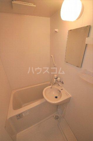 ベネフィスタウン箱崎東1 101号室の風呂