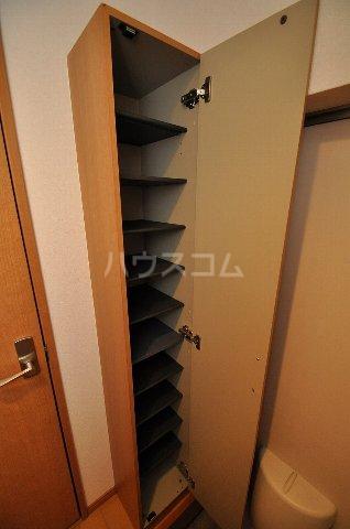 ベネフィスタウン箱崎東1 101号室の玄関