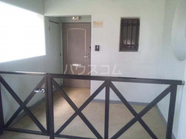 プレミール須恵 103号室の玄関